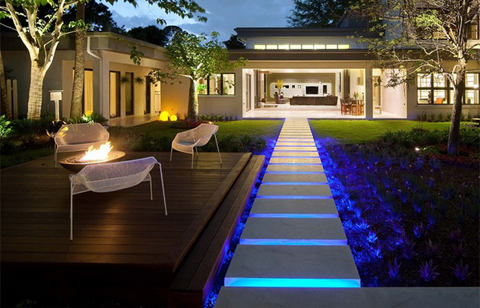 Pathway Lighting  PATHWAY LIGHTING6 Enchanting Landscape Lighting Solutions   Step 1 Dezigns   Blog. Modern Exterior Path Lighting. Home Design Ideas